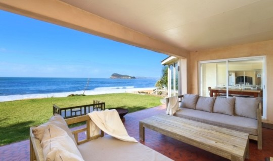 Pearl Beach Hacienda – Absolute Beachfront