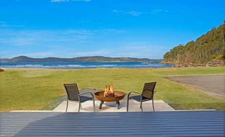 Emerald Cove – Absolute beachfront Umina Beach