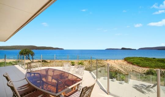 Sea breeze – stunning beach front apartment on Umina Beach